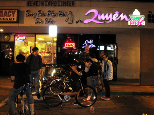 "A shot of Quyen Café from a post on ""bukkakeordie."""