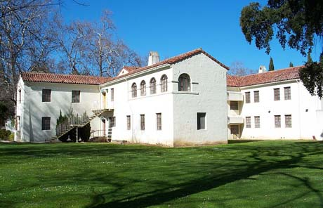 Agnews Developmental Center used to be an insane asylum in north San Jose. Now mit might become a high school. (Photo by EugeneZelenko, via Wikimedia Commons)
