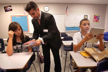 Xavier De La Torre could be on his way out as superintendent of the Santa Clara County Office of Education. (Photo courtesy of El Paso Times)