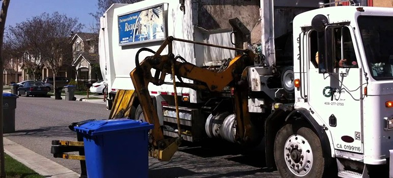 Equipping trash haulers with license plate readers could give police new eyes on the ground. (Image via YouTube)