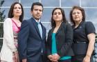 Intérpretes de la corte del condado (desde la izquierda ) Carmen Ramos , Pedro Sahagún , Mariela Phelan-Caceres y María Cruz dicen que han sido intimidados y con exceso de trabajo y no siempre se está haciendo justicia . (Foto por Jessica Pérez)