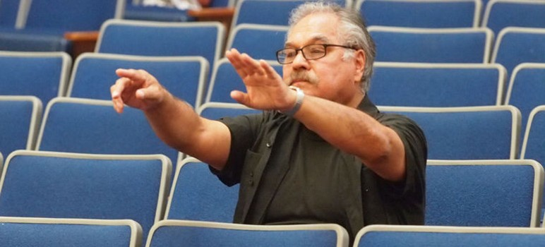 """Luis Valdez directs a staged reading of """"Valley of the Heart"""" in San Jose. (Photo by Robert Eliason)"""