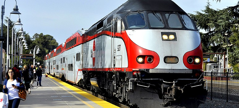 A federal grant will allow Caltrain to upgrade from diesel to electric trains. (Photo by DF4D-0070, via Wikimedia Commons)
