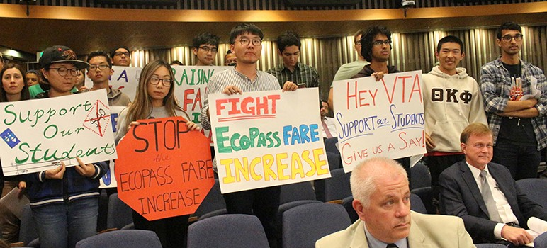 De Anza College students showed out in force Thursday to oppose th VTA's proposed price hike for Eco Passes. (Photo courtesy of La Voz, De Anza College's student newspaper)
